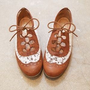 Report Valentina Lace Up Oxford Loafer Flats